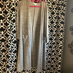 Grey LuLaRoe Sarah with pockets NWOT